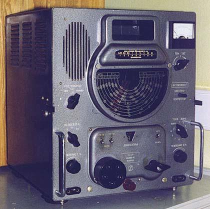Стационарный супергетеродинный ламповый радиоприемник ВОЛНА.